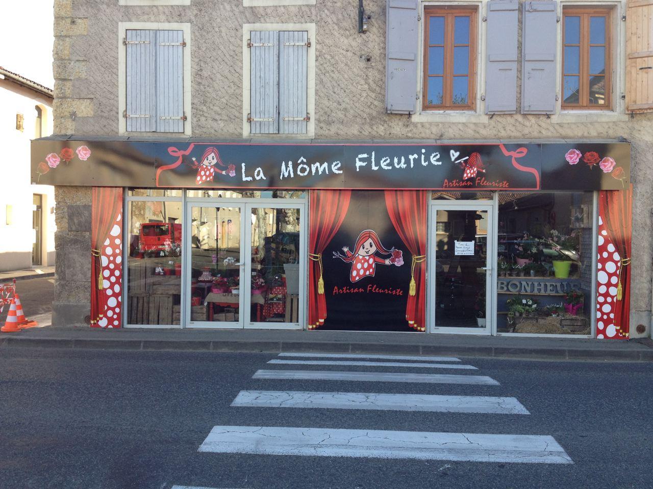 Réalisation de facade magasin La mome fleurie à Pavie par FreeCom Auch