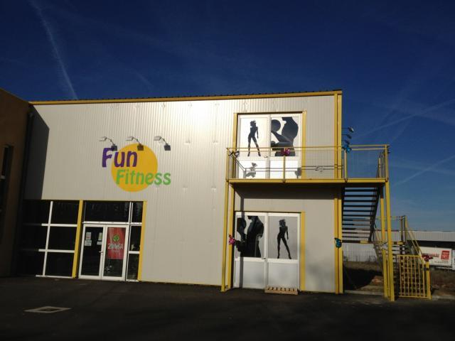 Marquage de vehicule a Mirande pour Funfitness salle de sport par freecom